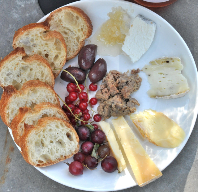 cheese plate above_640