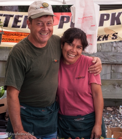 Peter and Carmen are passionate about their fruits, veggies and especially sweet corn!