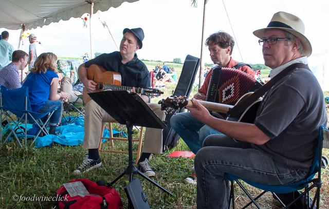 acoustic musicians