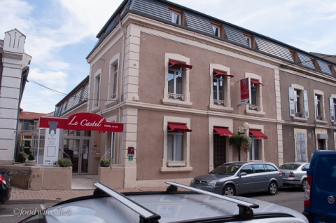 A nice hotel in the center of Tain L'Hermitage