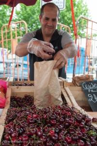 Fresh local cerises (cherries) and so inexpensive!