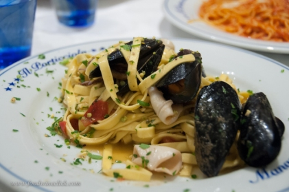 Pasta with mussels and squid