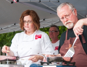 Molly and Bret working hard at the 5 ingredient challenge