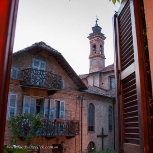 Neive is a wonderful little town, a perfect place to stay during a Piemonte visit.