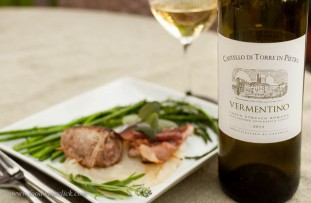 If you choose a white wine, you'll need a bit of body, this Vermentino fits the bill nicely.