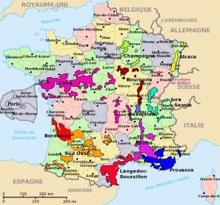 Wine regions overlaid on the food regions. Not a 100% match. Image courtesy of wikipedia.org