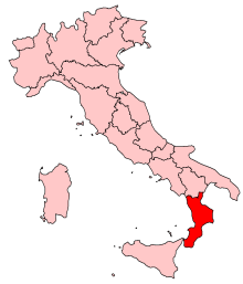 Calabria occupies the toe of Italy's boot. Map courtesy of wikipedia.org
