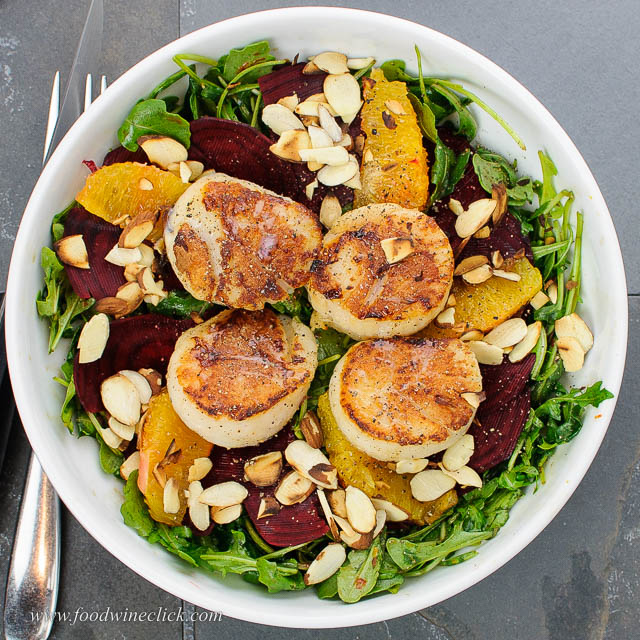 Sauteed scallop salad with arugula, beets and oranges