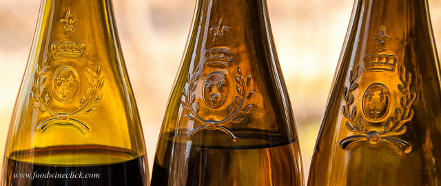 Many bottles from Anjou and Saumur proudly wear this crest