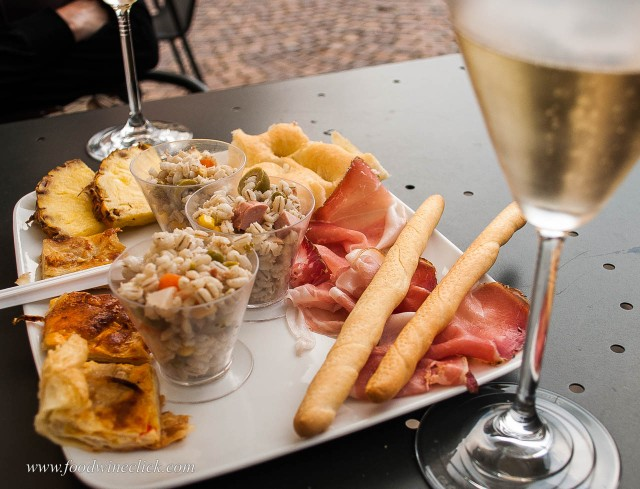 Sparkling wine pairs with a wide variety of foods.