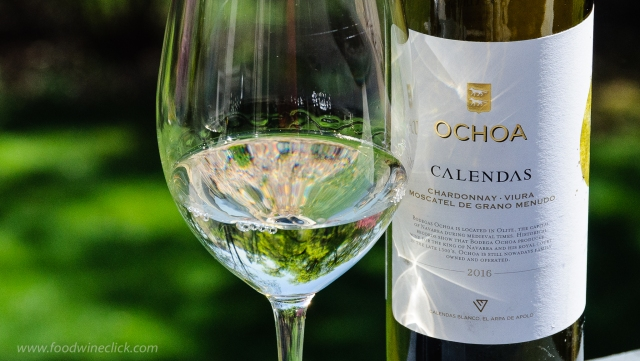 "Bodegas Ochoa ""Calendas"" White Blend Navarra DO"