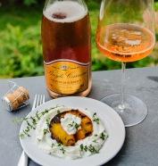 Grilled peach with Crémant de Bordeaux