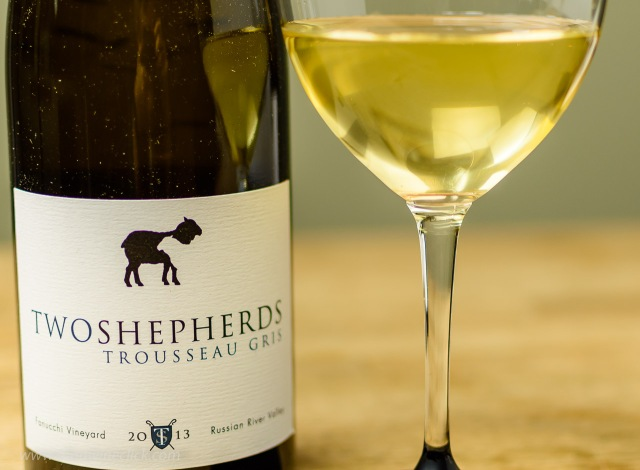 Two Shepherds Trousseau Gris 2013