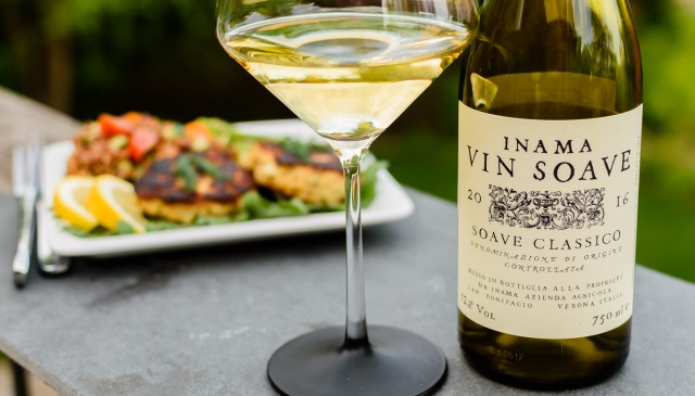 Inama Soave Classico with crabcakes