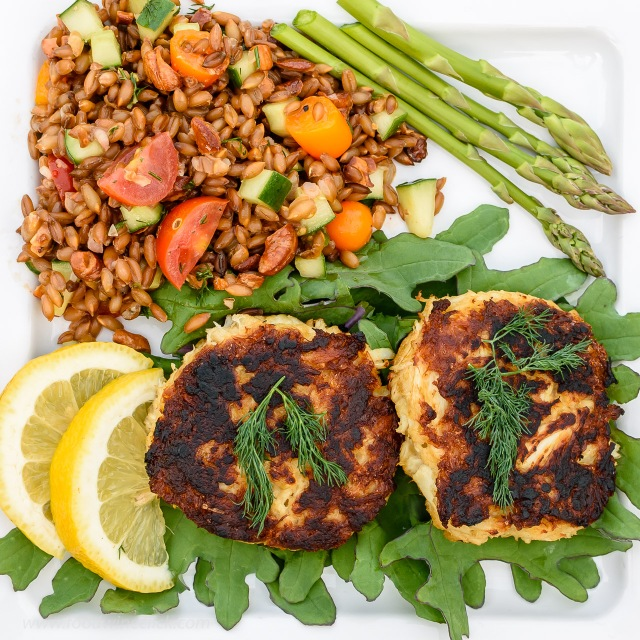 Crabcakes with Farro salad and fresh asparagus