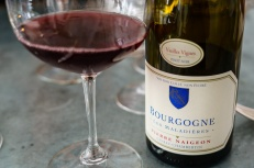 Bourgogne rouge for the plat