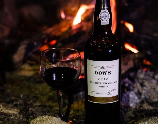 Dow's LBV Porto 2012 by the campfire