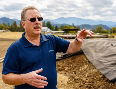 Craig explained how compost is the key ingredient in biodynamics. The majority of the biodynamic preparations are applied to the compost pile to increase its' microbiome