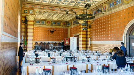 The formal tasting was conducted in the Sala Consiliare, a historic building on the Piazza del Comune (central square)