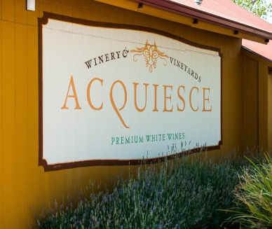 Acquiesce was our first stop, and I was surprised to find an all-white wine winery in Lodi