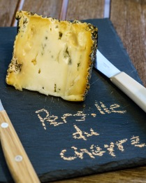 Persillé de Chèvre is an original farmhouse blue cheese made from goat's milk. This cheese is quite sharp, a blue lover's paradise.