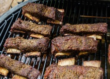 Meaty short ribs with a peppery rub - will they pair with LAN Rioja Reserva?