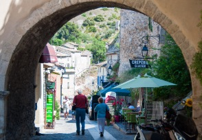 Rhône villages are great fun to wander around!